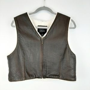 LIMITED Leather Sherpa Lined Zip Vest Size Medium